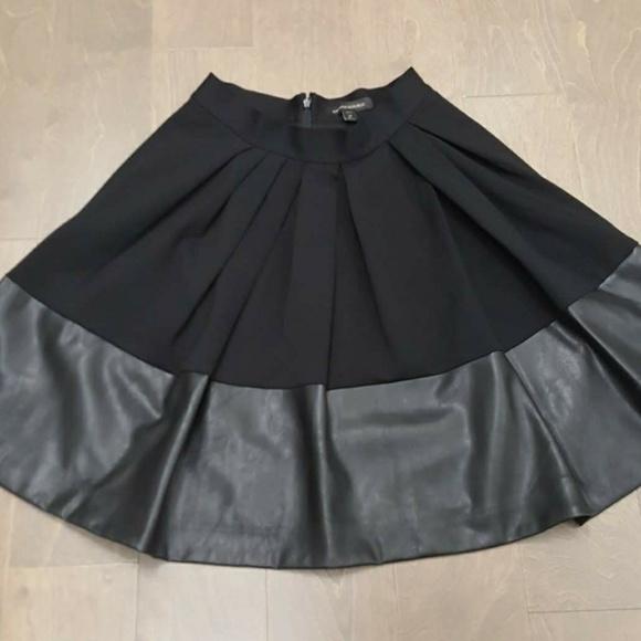 ecb81d96fd Banana Republic Dresses & Skirts - Banana Republic Vegan Leather Trim Flare  Skirt